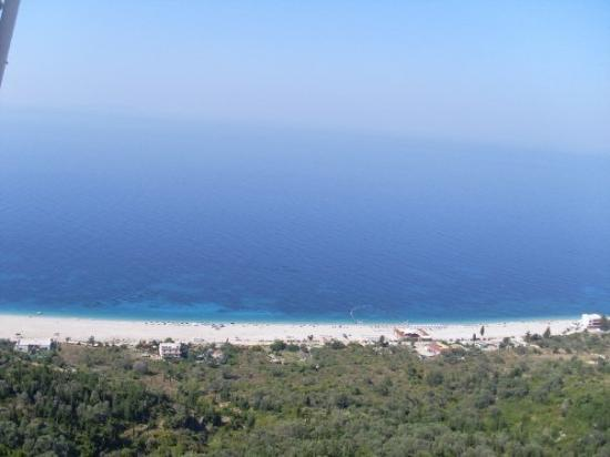 Bed and breakfasts in Himare