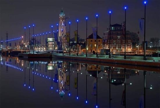 Bremerhaven, Germany: This is a night shot of the FreieHafen