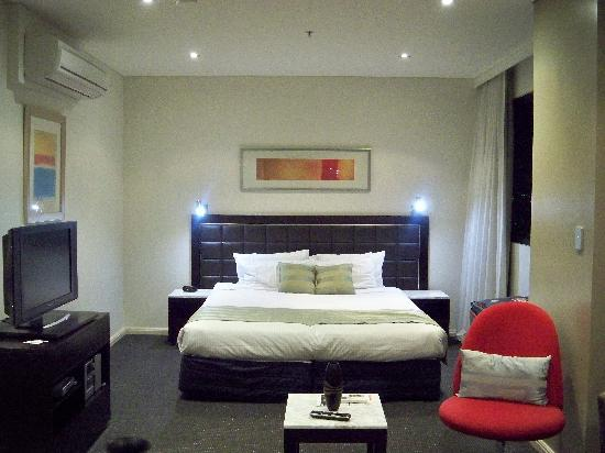 http://media-cdn.tripadvisor.com/media/photo-s/01/61/d1/9e/comfortable-modern-furniture.jpg