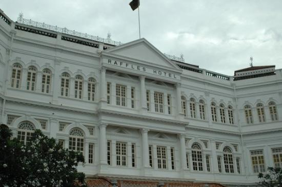 This is the oldest hotel in singapore it is also the most for Most luxurious hotel in singapore