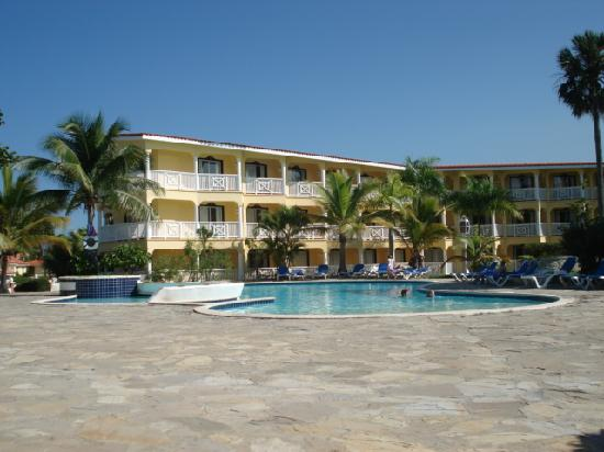 http://media-cdn.tripadvisor.com/media/photo-s/01/62/12/85/tropical-hacienda.jpg