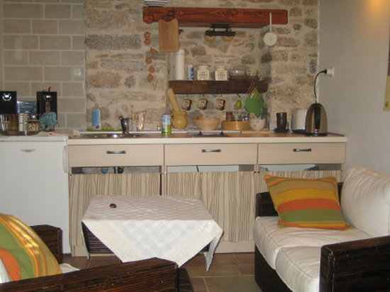 Salvezani Apartment: kitchen and dayroom, app.no1