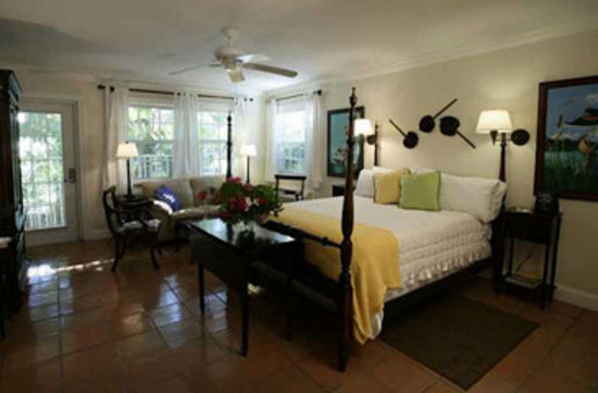 The Caribbean Court Boutique Hotel: Deluxe Queen