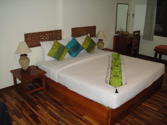 BB Chaweng Beach Resort: Bed