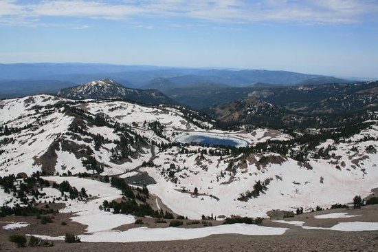 Lassen Volcanic National Park, CA: The view as I was going up the trail