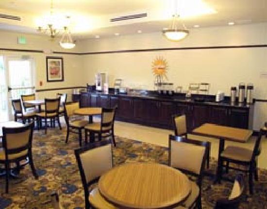 La Quinta Inn & Suites Sebring Breakfast Room