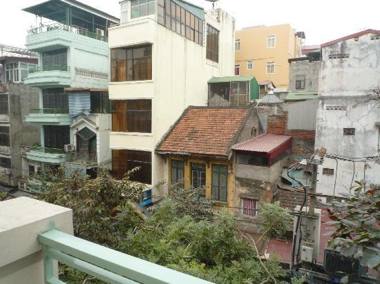 Hanoi A1 Hotel: view from 3d floor room balcony