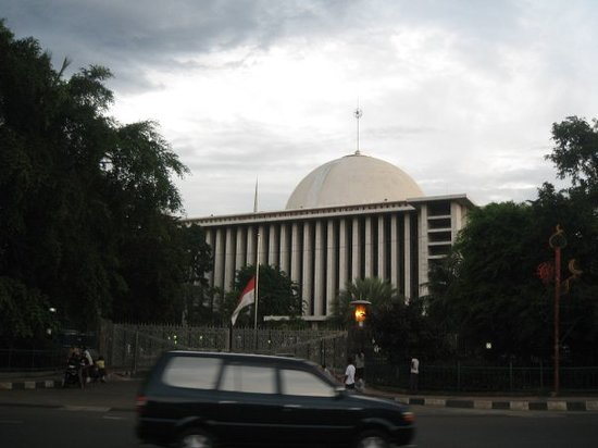 Istiqlal Great Mosque.  This is the largest of Jakarta&#39;s more than 1,000 mosques.