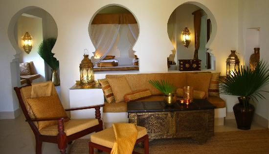 Baraza Resort & Spa: LIVING ROOM OF 1 BED VILLA