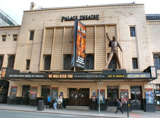 Palace Theatre Manchester Hotels