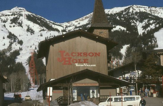 Jackson hole picture of jackson hole mountain resort for Teton village cabins