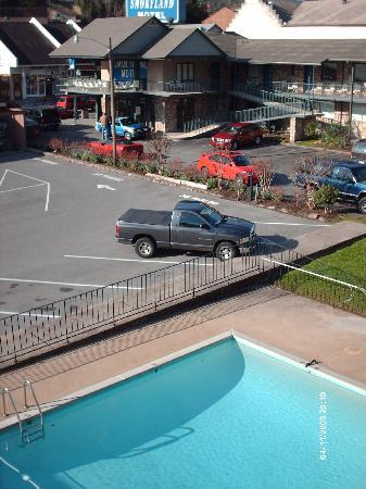 Riverside Motor Lodge: 3rd floor balcony view