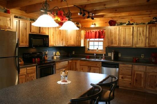 Hocking Hills Cabins: Kitchen