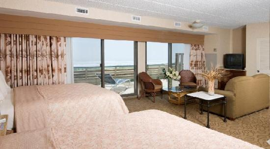 Golden Inn Hotel: Oceanfront Efficiency Rooms with Large Sunning Decks