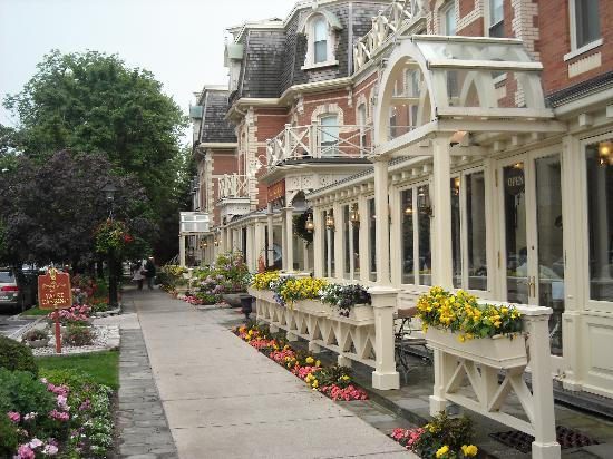 Country Inn & Suites Niagara Falls: Niagara-on-the-Lake