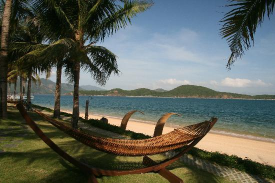 BEST WESTERN PREMIER Hon Tam Resort & Residences: Relax on Hammocks