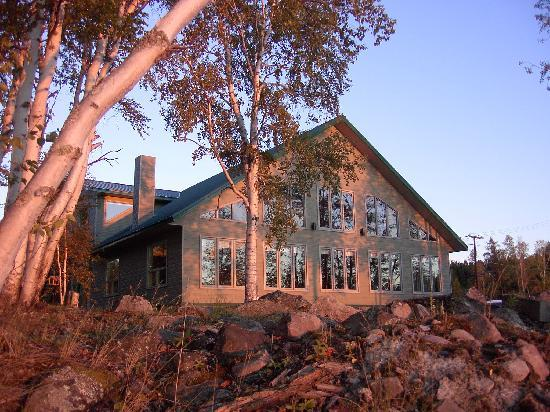 Waterfront Lodge in Stony Rapids, right next to the River, Stony's newest Accommodations