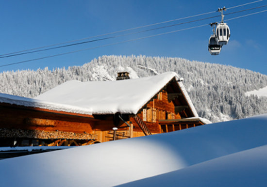 Chalet Le Panoramic: Chalet that really is on the piste