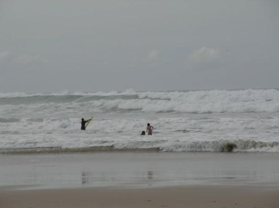 Lennox Head, ออสเตรเลีย: Leider häts uf em Griifesee kei gschidi Wälle  Unfortunately there are no real waves on the Gr