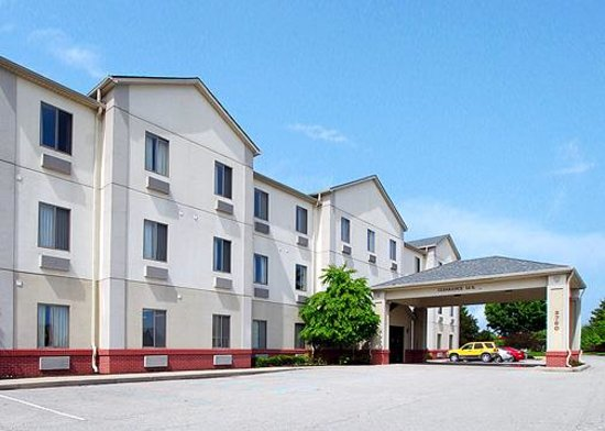 Comfort Suites Northeast: Exterior