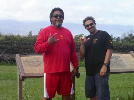 Our Tour Guides Moot And Cris Borgnine Picture Of Haleiwa Oahu Tripadvisor