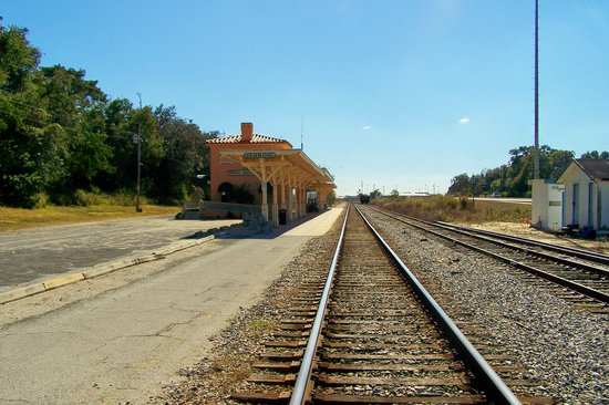 Sebring, : ARRIVING AT THE 1924 TRAIN STATION