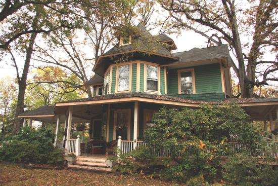 Photo of Etta Mae Inn Bed and Breakfast Takoma Park