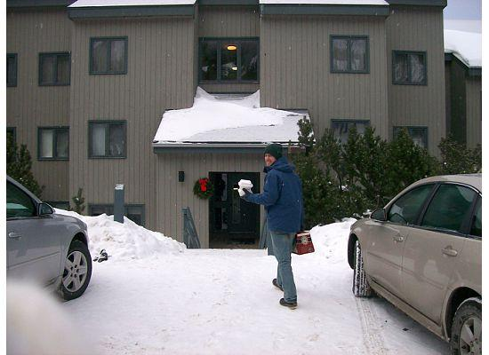 Sugarbush Village Condominums: Front of the Condo