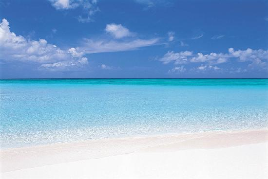 5 shades of blue in the Cayman Islands