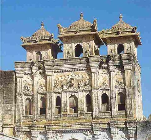 http://media-cdn.tripadvisor.com/media/photo-s/01/65/fc/84/one-of-main-gate-of-bhuj.jpg