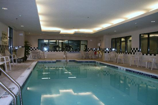 Hampton Inn North Brunswick/New Brunswick: Indoor Pool
