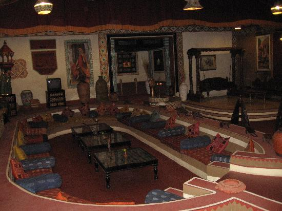 Chokhi Dhani Resort: Lobby