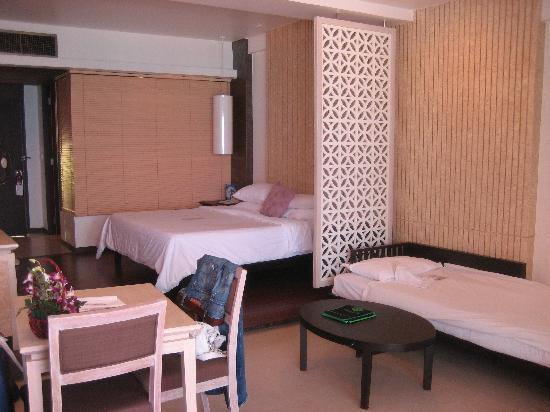 Katathani Phuket Beach Resort: Junior Ocean Room