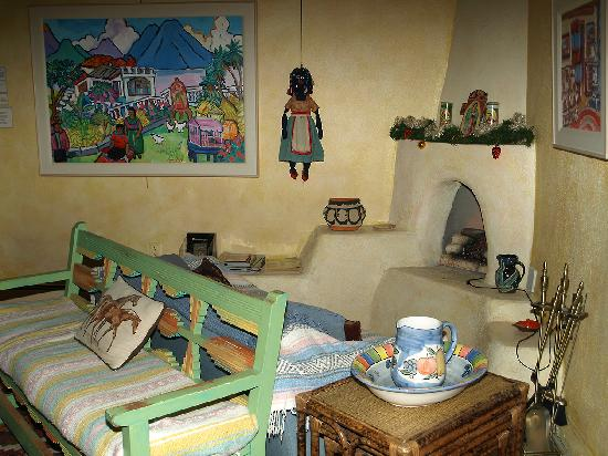 Inger Jirby's Guest Houses: the front sitting area by the entryway