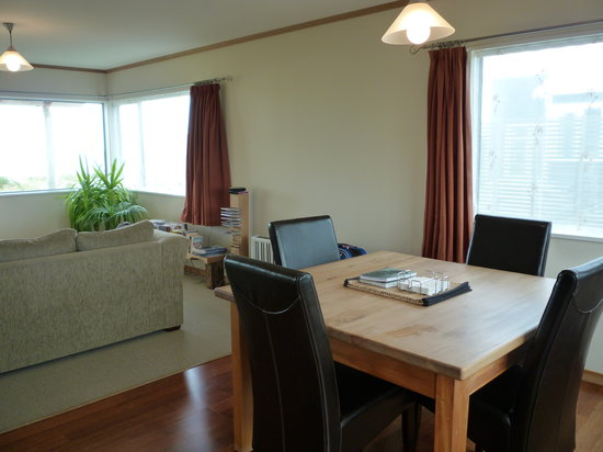 Curio Bay Boutique Accommodation: Dining area