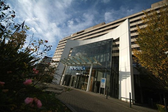 Novotel London West: Main Entrance