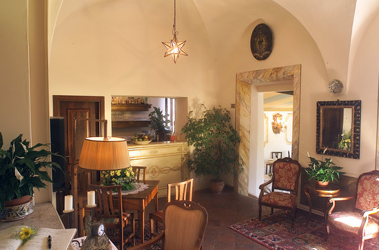 Hotel Santa Caterina: The lobby and lounge