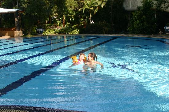 main pool hotel sudu araliya