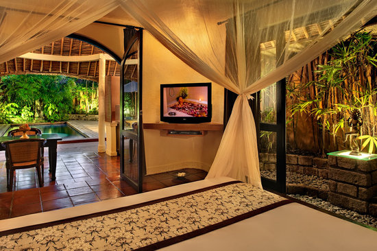The Villas Bali Hotel & Spa: Bedroom - One Bedroom Villa