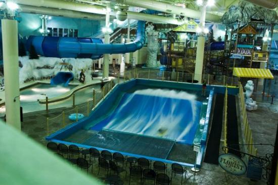 Avalanche Bay Indoor Waterpark Boyne Falls Mi United States