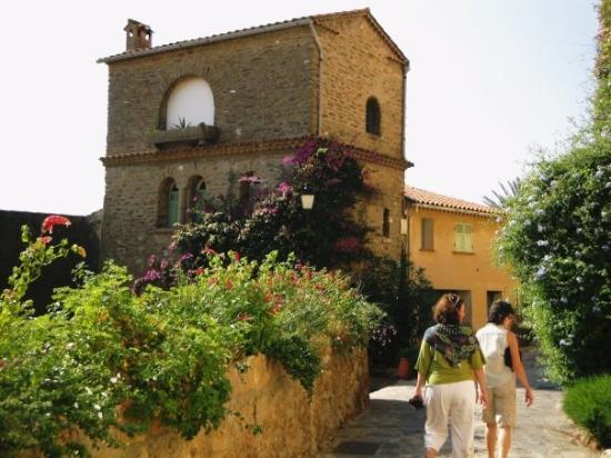 Bormes-Les-Mimosas, France: More of the village