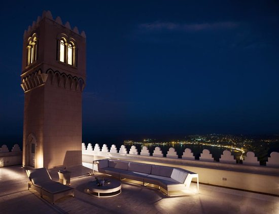 Hotel el Jebel: Hotel terrace and Naxos bay seaview