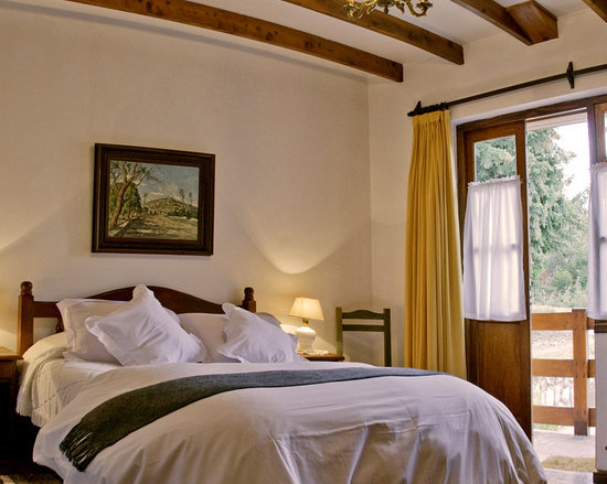 Hosteria Canela B&B: Ground floor, front bedroom