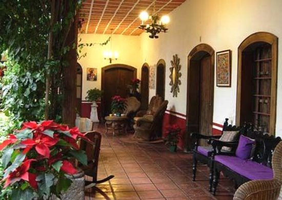 Hotel Casa Antigua: Large beautiful corridors