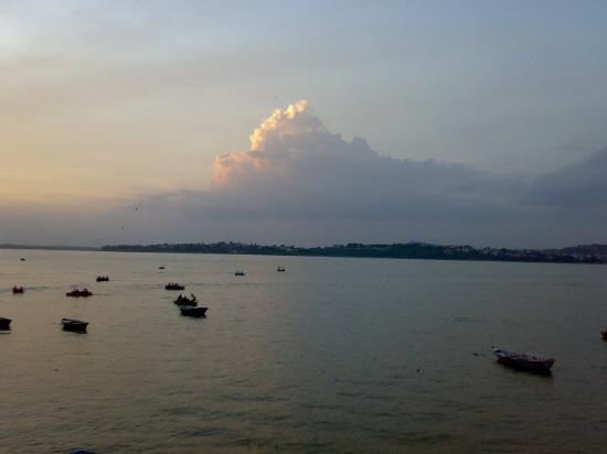 Bhopal, India: Cloud mount...