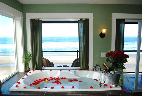 Starfish Manor Oceanfront Hotel: Romance package
