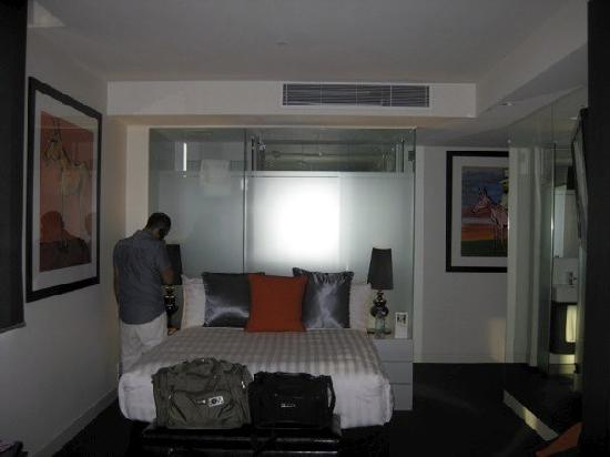 Art Series - The Cullen: A look at our room