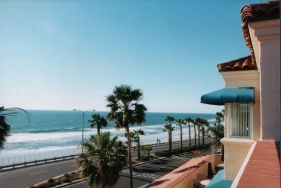 Nestled In The Picturesque Coastal Town Of Carlsbad California Rests An Upscale Family Friendly Beachfront Resort Tamarack Beach Hotel