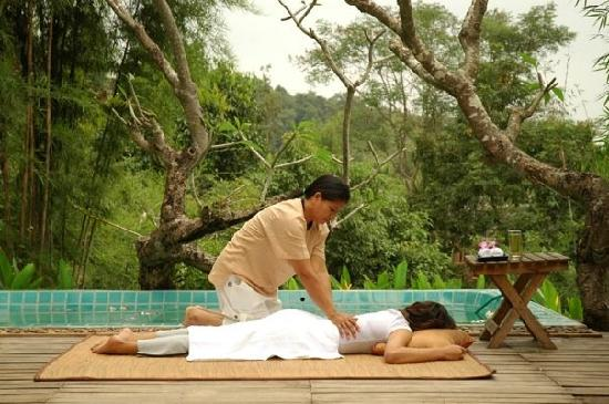 The Postcard Resort: Massage on the hill