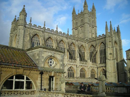 Crescent Guest House: Roman Bath cathedral